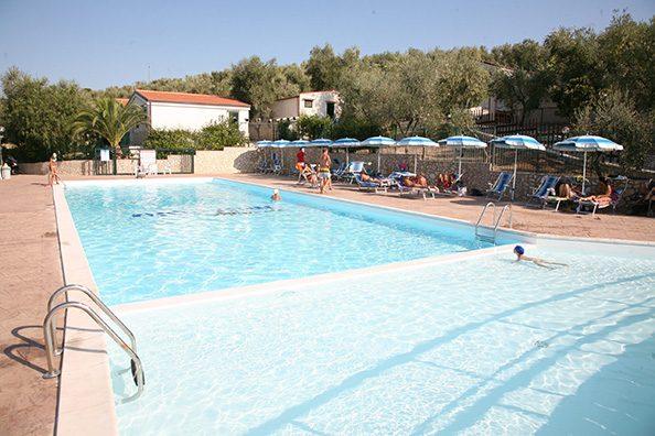 Piscine-Servizi-Villaggio_Mare_Blu_Vieste2